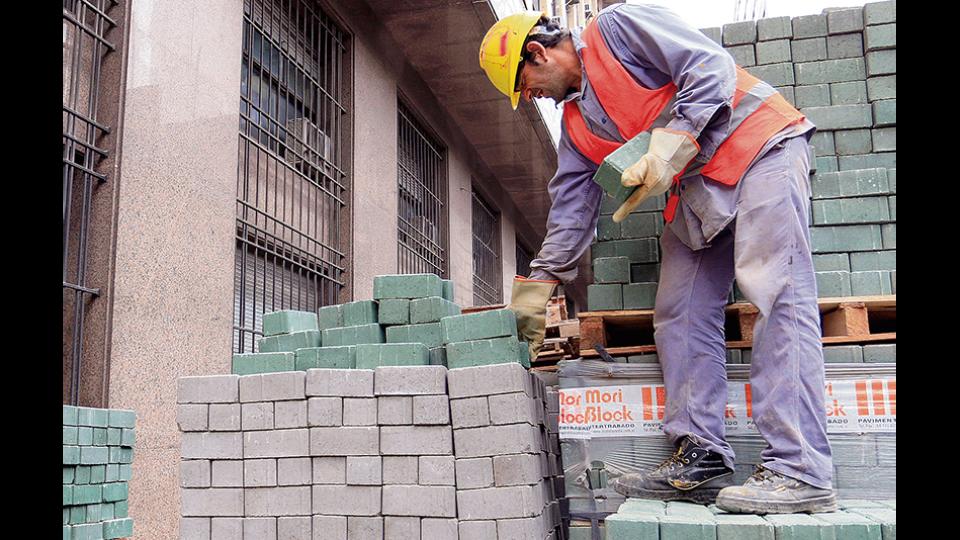El Indice Construya releva la venta de insumos a obras privadas.