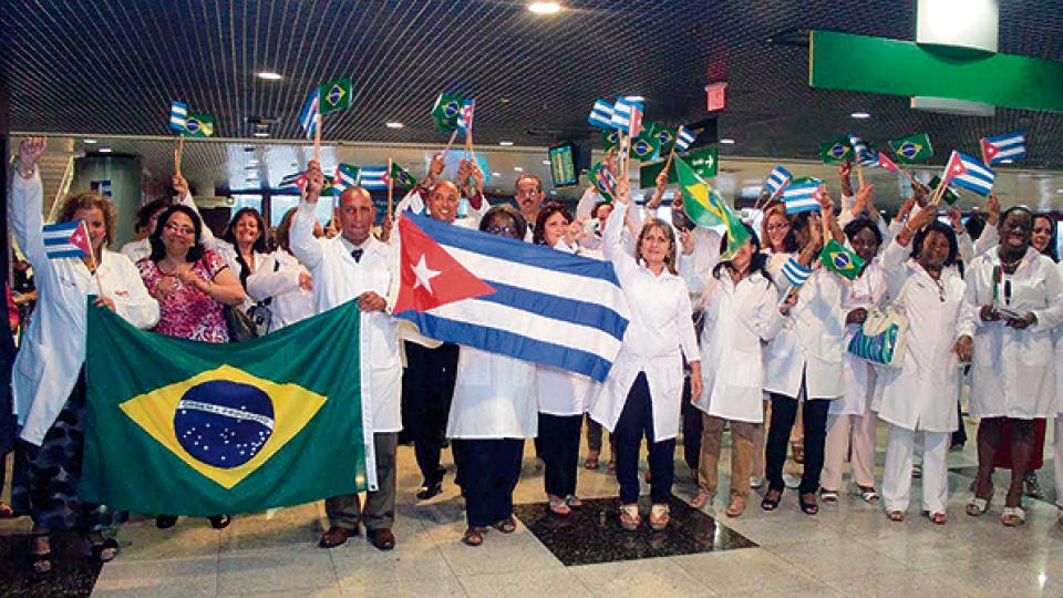El primer contingente de 30 médicos cubanos en Brasil llegó a Recife en agosto del 2013.