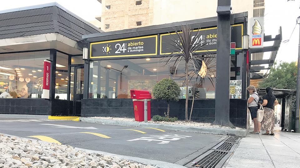 El local de McDonald's donde ocurrió la agresión.