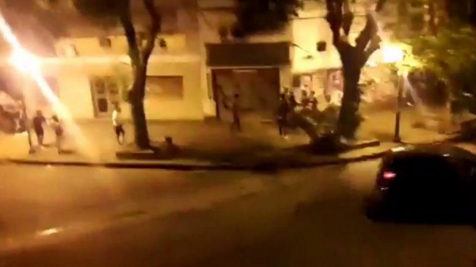 La fiesta, convocada en las calles 10 y 63, se promocionó en redes y por WhatsApp.