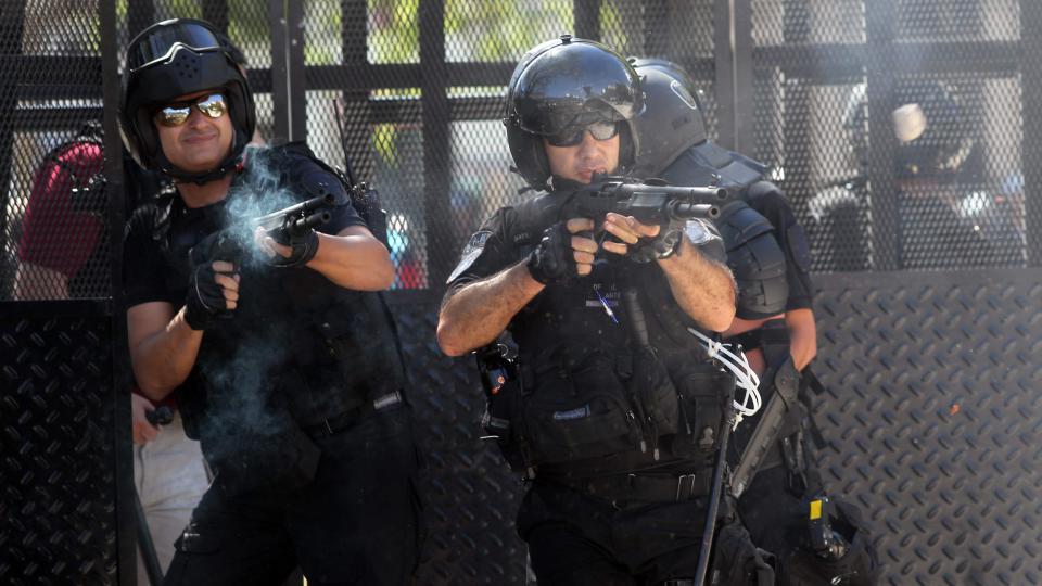 """Macri habilitó el uso de armas de fuego frente a cualquier """"peligro inminente"""" Luz verde al gatillo fácil"""