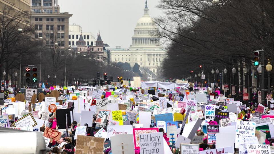 Una calle de Washington, repleta de manifestantes.