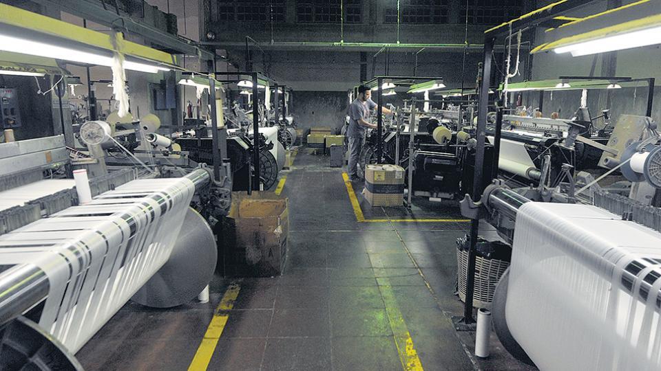El Gobierno quiere relanzar por decreto elementos de la fallida reforma laboral.