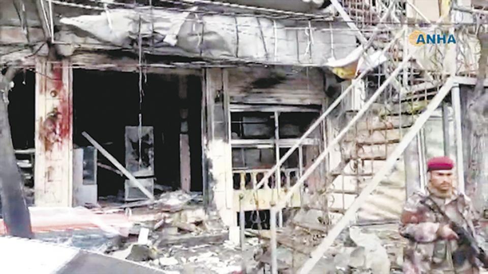 Así quedó el restaurante en Manbech luego de que un terrorista suicida se hizo explotar.