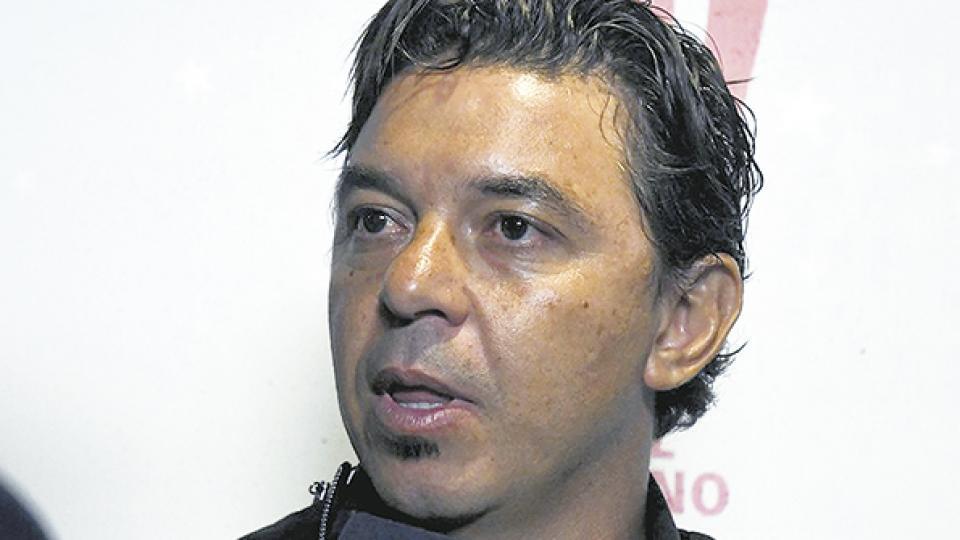 Gallardo, el DT, prefiere evaluar y esperar en materia de refuerzos.