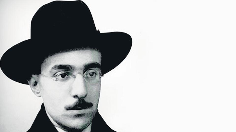 El poema de Pessoa se publicó en la revista Orpheu en marzo de 1915.