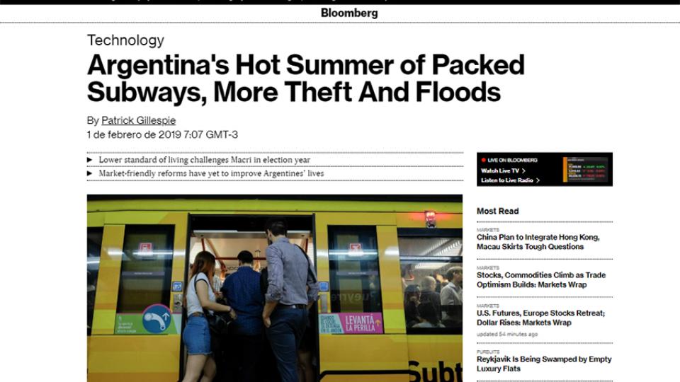 """""""El calurosoverano argentino de subterráneos llenos, más robos e inundaciones"""", tituló Bloomberg."""