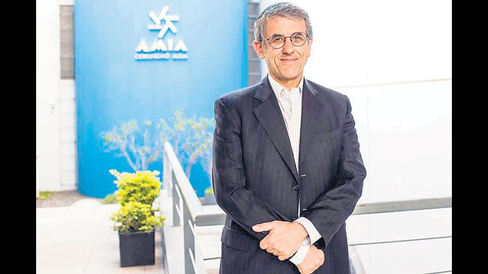 El presidente de la AMIA pidió licencia Una baja después de la renuncia a la denuncia