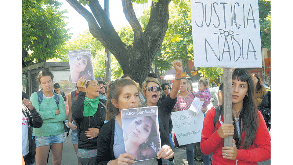 Nadia Ferraresi: Apuñalada Ante Su Hijo De 4 Años