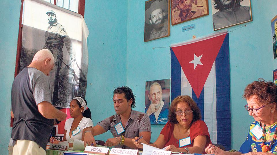 La jornada que se desarrolló ayer en la isla movilizó a más de ocho millones de votantes.