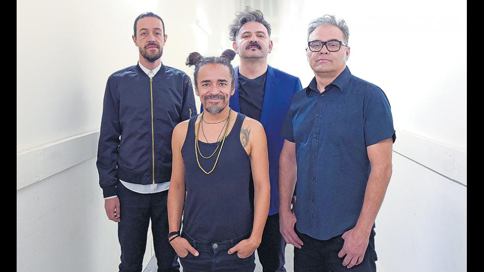 """""""La música se vuelve a transformar en algo que no conocemos"""", dicen los Café Tacvba de la experiencia."""
