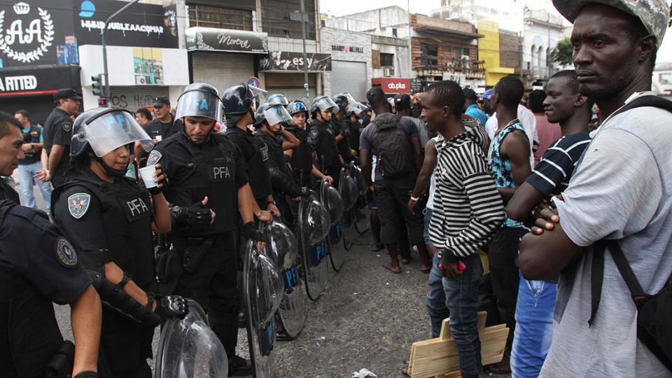 El foco estuvo puesto en las fuerzas de seguridad y en la violencia sobre los migrantes africanos.