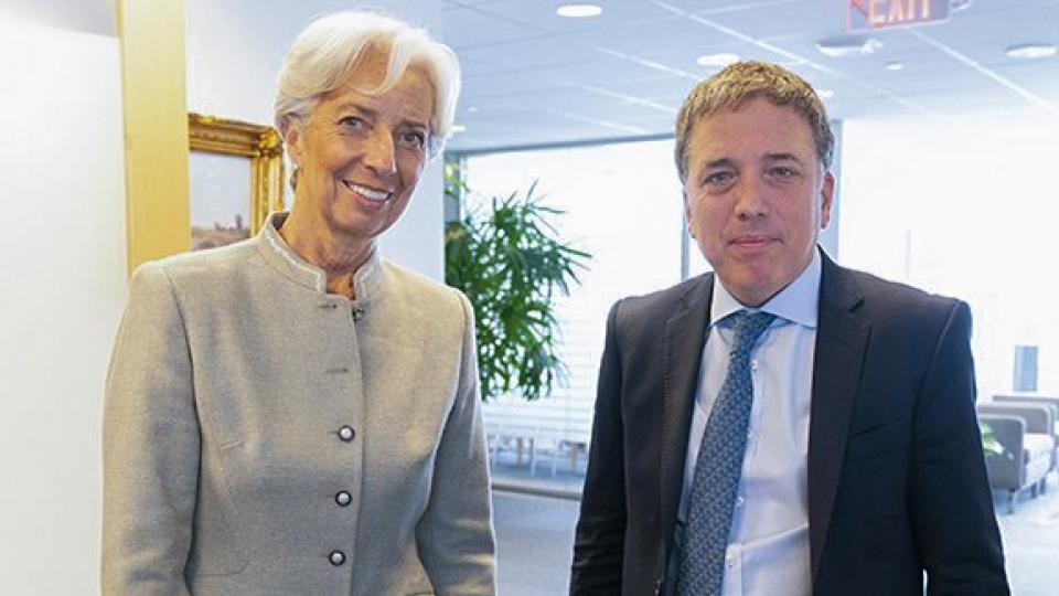 858b4bf7d07f ... Christine Lagarde y Nicolás Dujovne. Nuevo encuentro entre la titular  del FMI y su leal ...