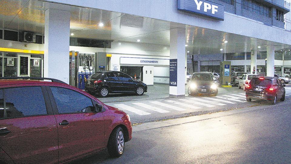 Un día después que su competencia, pero antes de iniciar abril, YPF modificó sus precios.