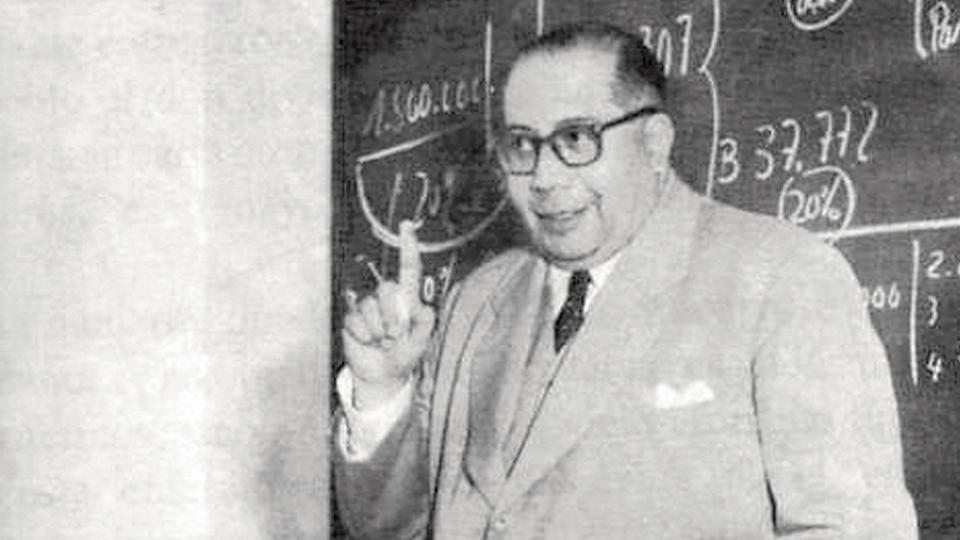 """Ramón Carrillo definió la """"guerra psicológica"""" como """"nueva arma de lucha""""."""