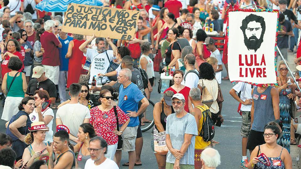 """Ayer en Río de Janeiro se movilizaron bajo la consigna """"Lula libre"""", al igual que en otras ciudades de Brasil."""