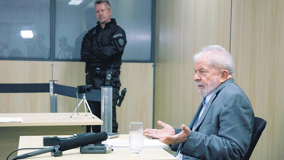 Lula, detenido en Curitiba, recibió el aliento del Papa a través de una carta.