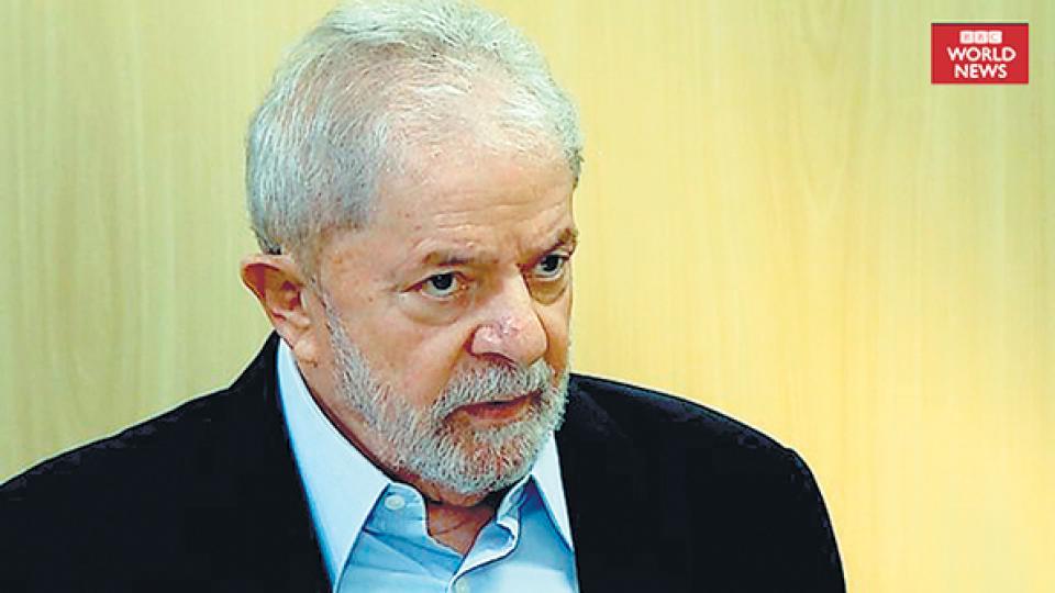 """""""Bolsonaro corre detrás de su hijo para apagar un incendio todos los días"""", dijo Lula."""