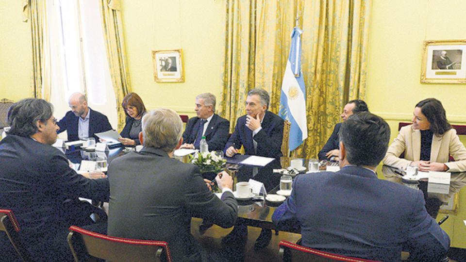 La suspensión de las PASO se conversó en la reunión de gabinete.