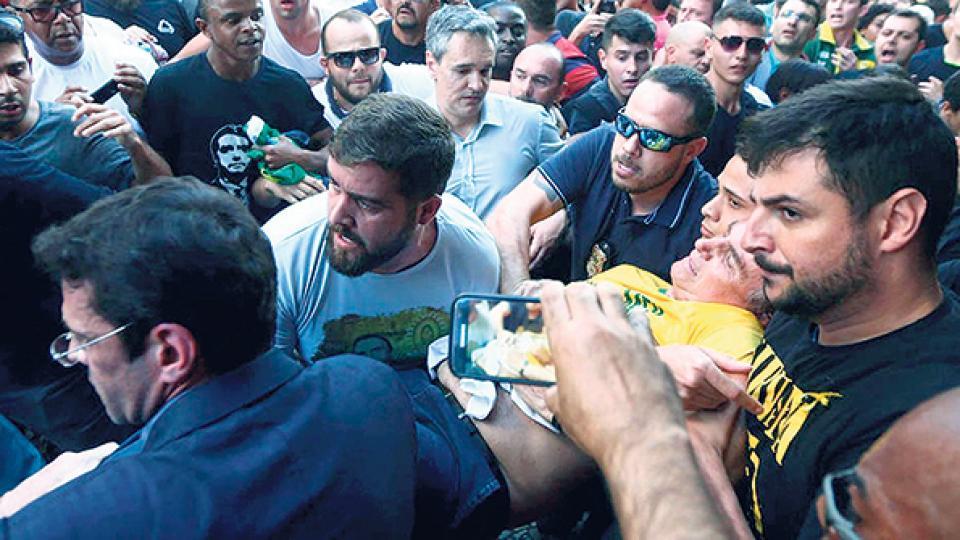 El apuñalamiento de Bolsonaro durante la campaña presidencial fue puesto en duda por Lula.