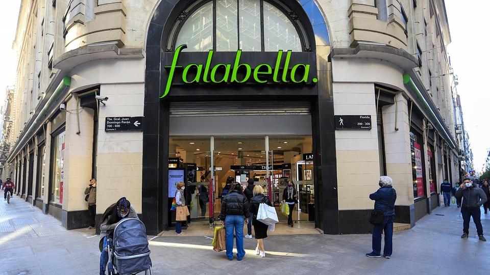 Falabella quiere irse del país y anunció el cierre ...    Página12