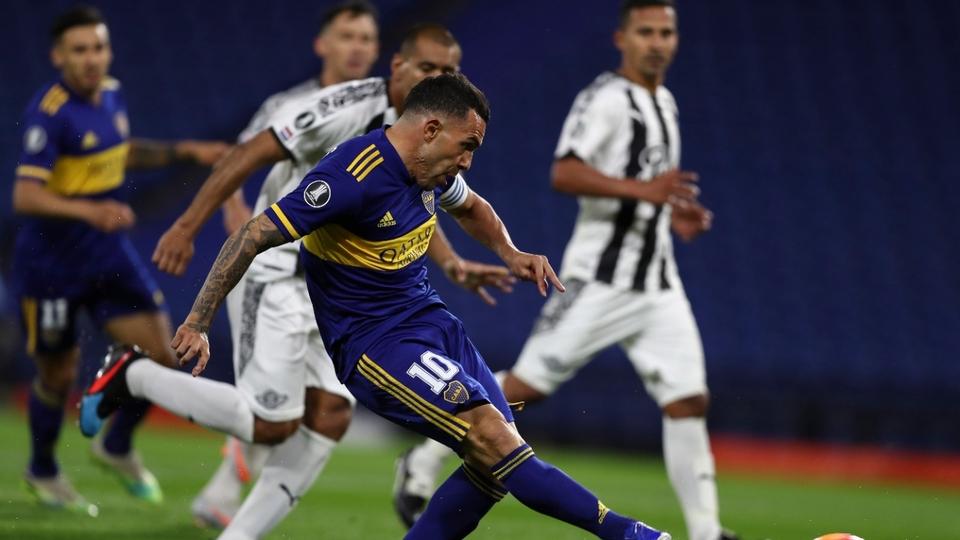 Boca igualó en su estadio ante Libertad y accedió a octavos de final