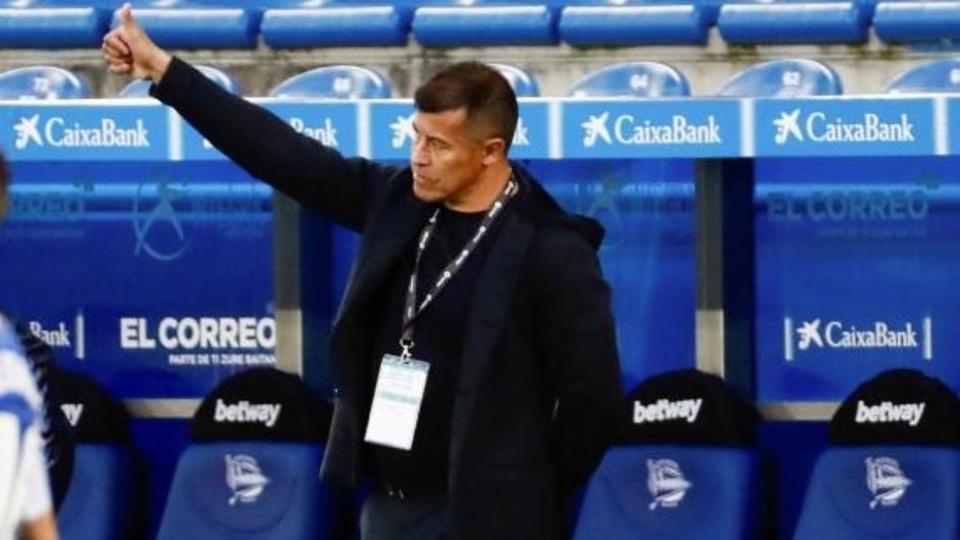 Liga de España: el Elche del DT Jorge Almirón venció al Alavés
