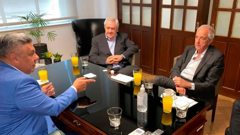 Tapia se reunió con Ameal y D'Onofrio por la plata de la TV