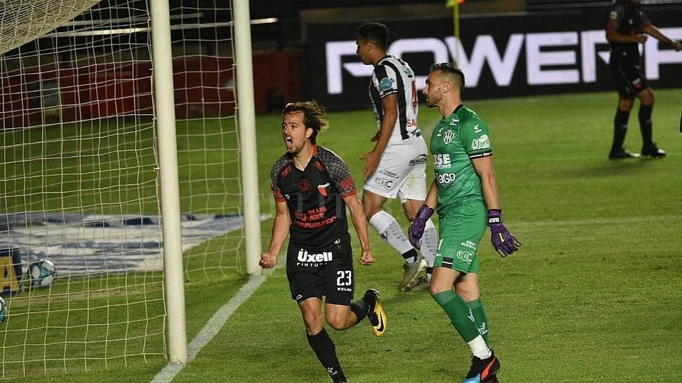 Copa de la Liga Profesional:Colón desplazó a Independiente