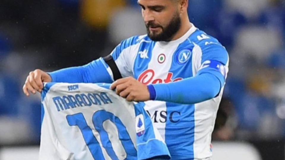 Emotivo homenaje del Napoli a Maradona: camiseta con los colores de Argentina