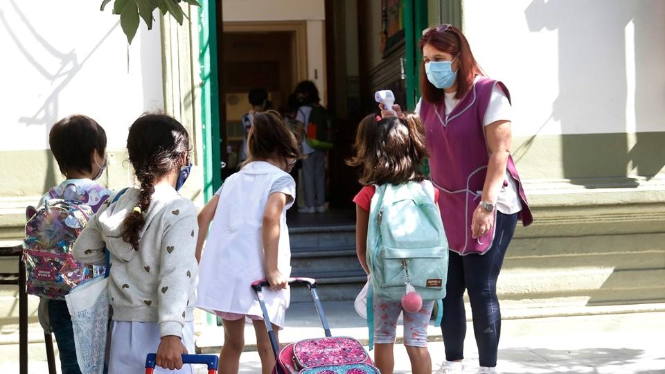 La Unión de Trabajadores de la Educación (UTE) hará un paro de 24 horas este miércoles, sumándose a otros gremios docentes, para reclamar la suspensión de las clases en la Ciudad de Buenos Aires por el aumento de los contagios de coronavirus.