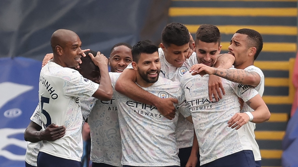 Agüero metió un golazo y Manchester City quedó a un...  | Página12