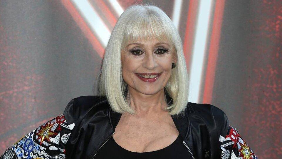 La cantante italiana Raffaella Carrá murió a los 78 años.