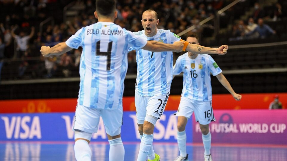 Futsal: Argentina derrotó por penales a Rusia y jugará frente a Brasil en las semifinales del Mundial | Messi felicitó al seleccionado local en las redes sociales | Página12