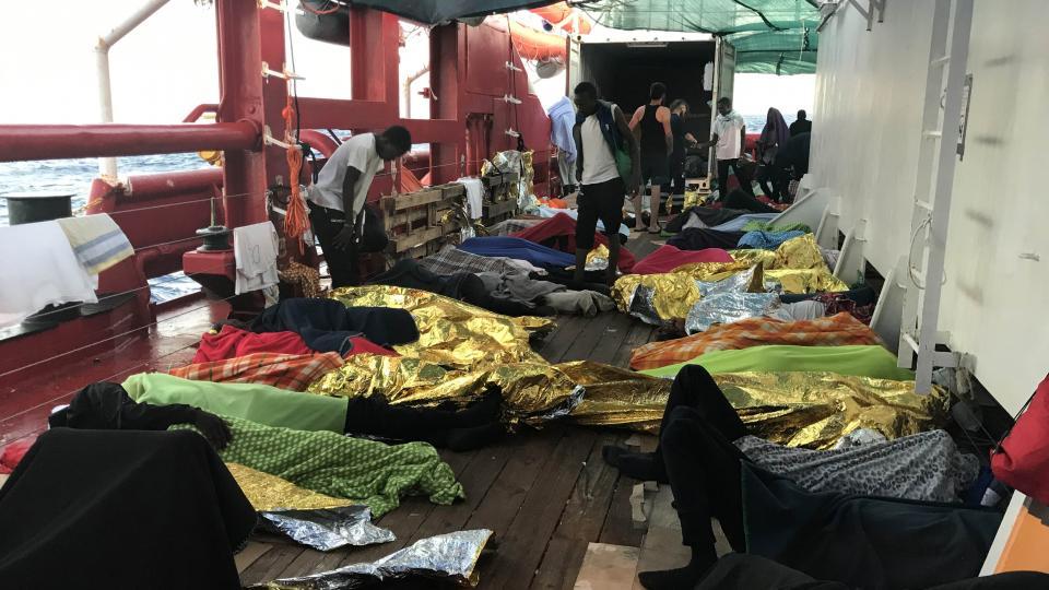 Un grito de socorro desde el Mediterráneo El barco Ocean Viking necesita desembarcar a sus 356 inmigrantes