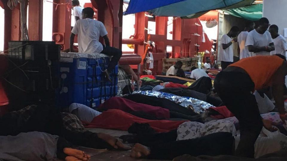 Tras un acuerdo de seis países europeos 356 migrantes desembarcaron en Malta