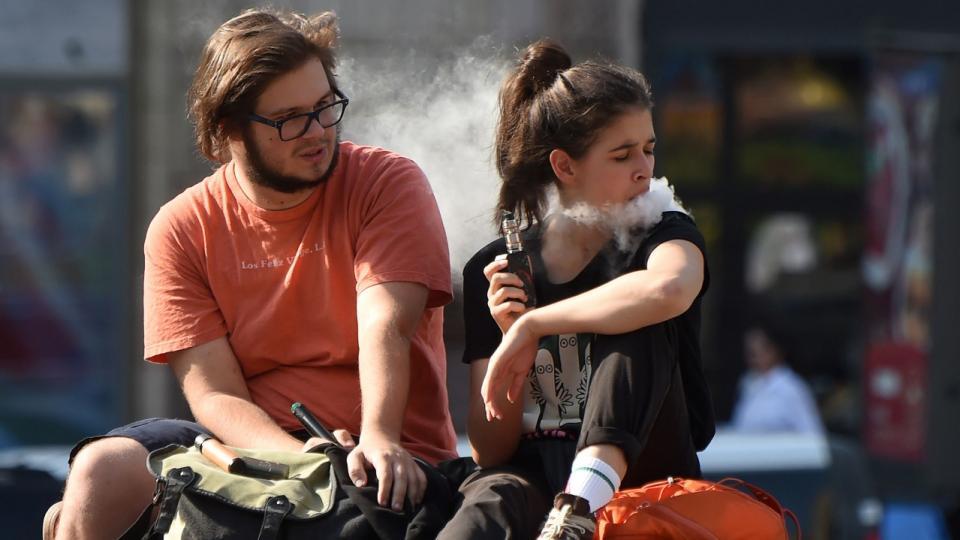 Los adolescentes se están iniciando como fumadores con el cigarrillo electrónico