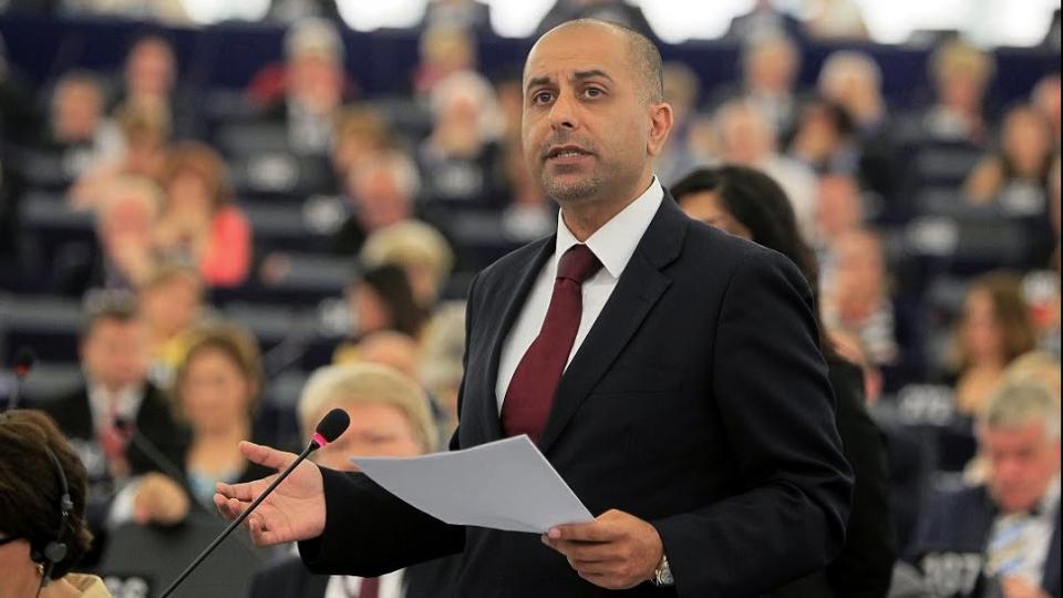 Sanciones internas en el partido conservador de Gran Bretaña Suspendidos por islamófobos