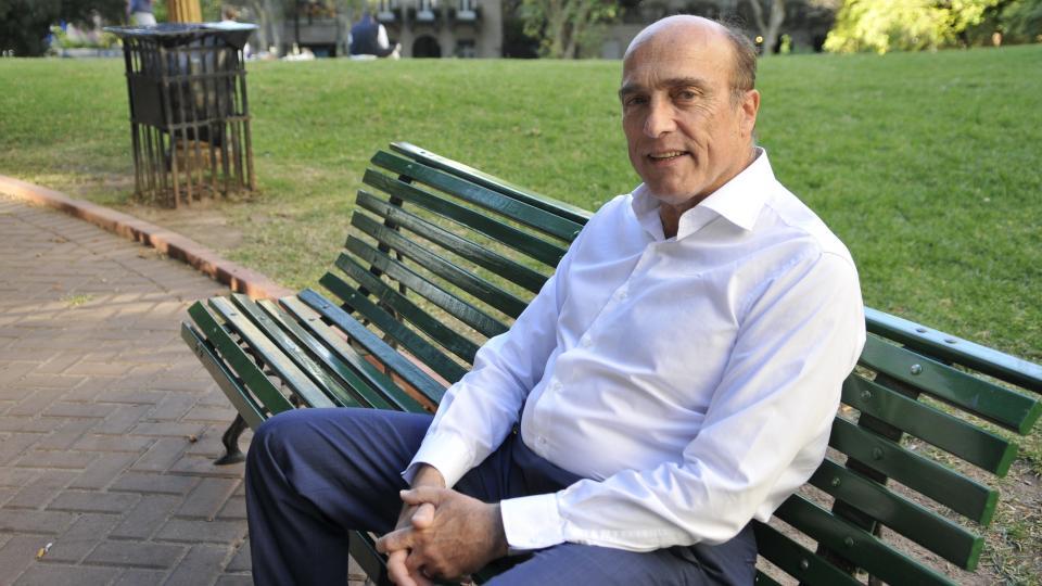 """""""Nuestro objetivo será trabajar, sumar, y hacer que nuestros pueblos se hermanen"""" dijo Daniel Martínez sobre la relación con Argentina."""