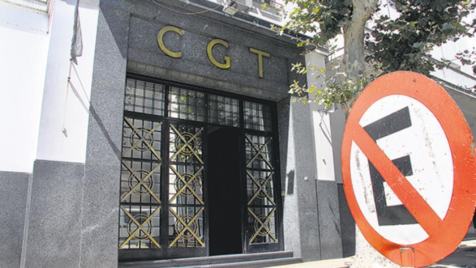 """En la CGT transitan """"el camino de la reunificación"""""""