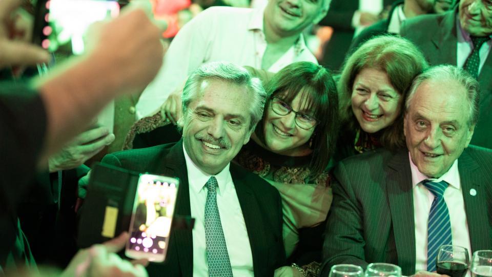 """Acto de Alberto Fernández: """"Vamos a levantarnos otra vez como lo hicimos en 2003"""""""