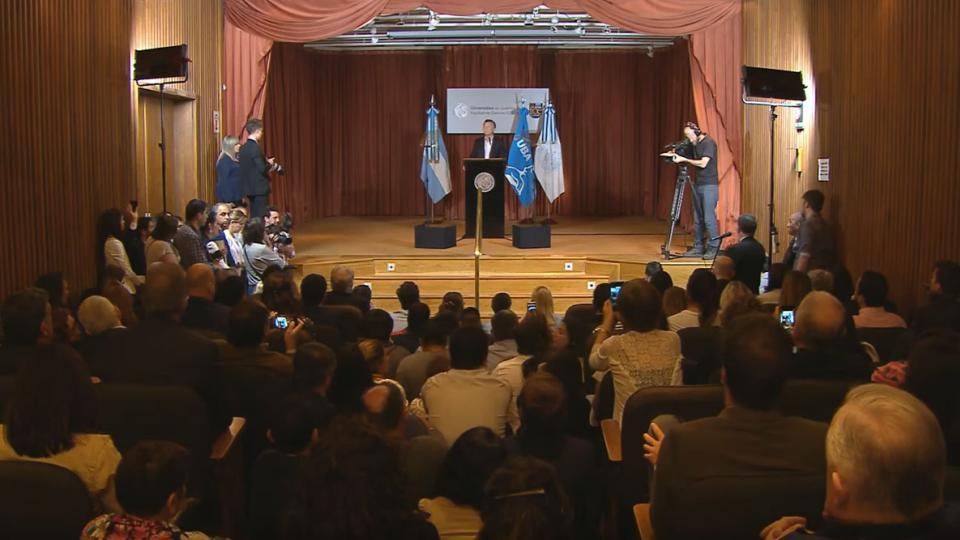 """Macri quiere hablar del trabajo que """"todavía no existe"""""""