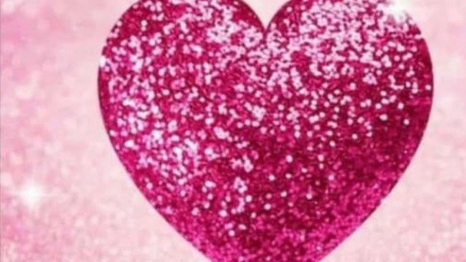 Qué significa el corazón rosa que se viralizó por WhatsApp