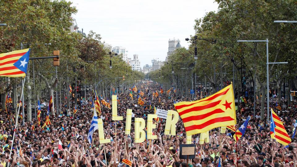 Medio millón de catalanes sale a la calle