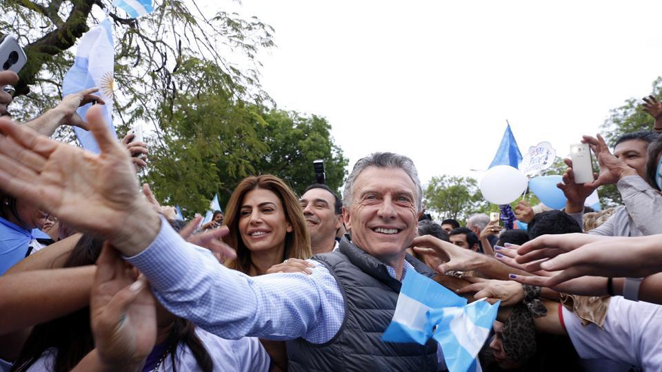 De salida, Macri hace el trabajo sucio para Donald Trump