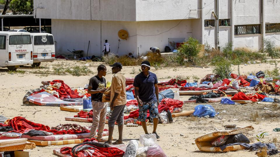 Al menos 40 muertos en un centro de detención cerca de Tripoli