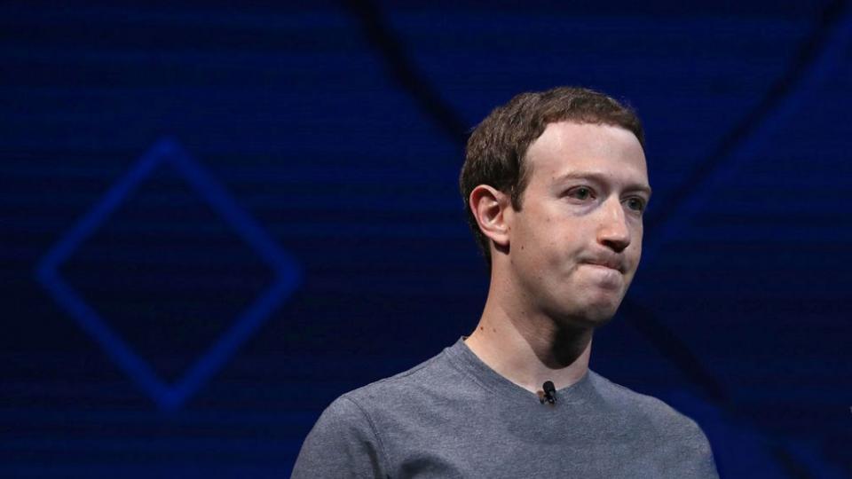 ¿Facebook y Twitter combaten los mensajes políticos inapropiados?
