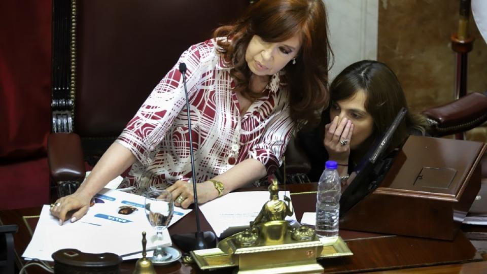 Cristina Kirchner aclaró que ella misma paga sus viajes a Cuba