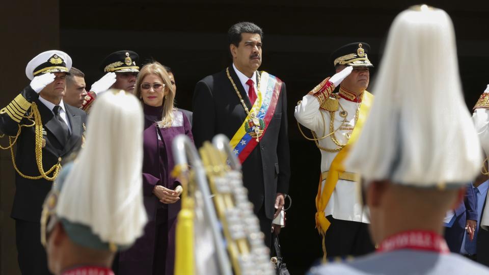 Maduro habló de acercamiento en el acto de ayer por la independencia de Venezuela.