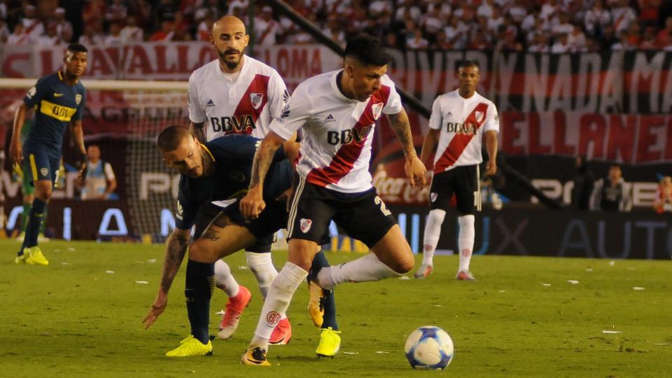 El último Superclásico por la Superliga fue en la Bombonera.